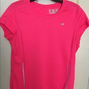 NWOT-New Balance Women's Athletic Shirt